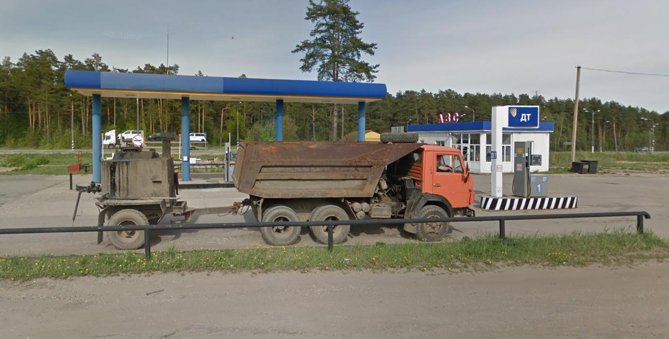 Фото: Вышневолоцкий район, посёлок Красномайский, 306 км. трассы М10/Е105 (слева)